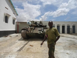 AMISOM soldier and tank in Mogadishu